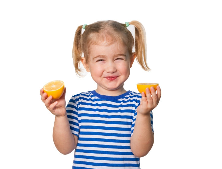 kids-eating-lemons-a-universal-face