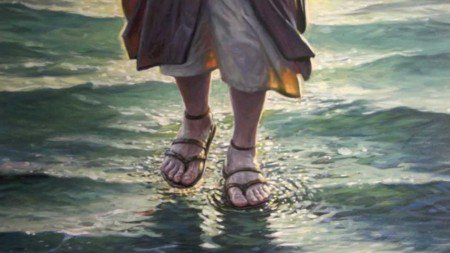 jesus-anda-sobre-as-aguas-450x253